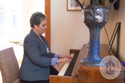 joyful singers music dementia vascular lewy body parkinsons alzheimers disease private elder care